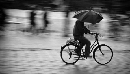 bicycle-in-the-rain-umbrella